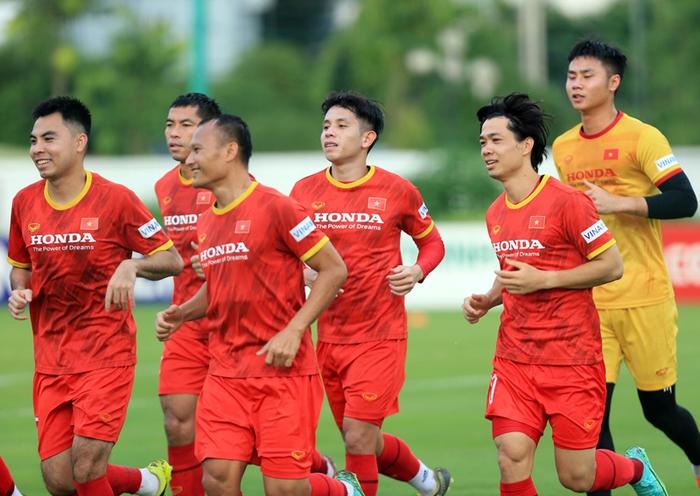 Công Phượng cực vui trong buổi tập đầu tiên cùng tuyển Việt Nam ở vòng loại 3 World Cup 2022 - Ảnh 1.