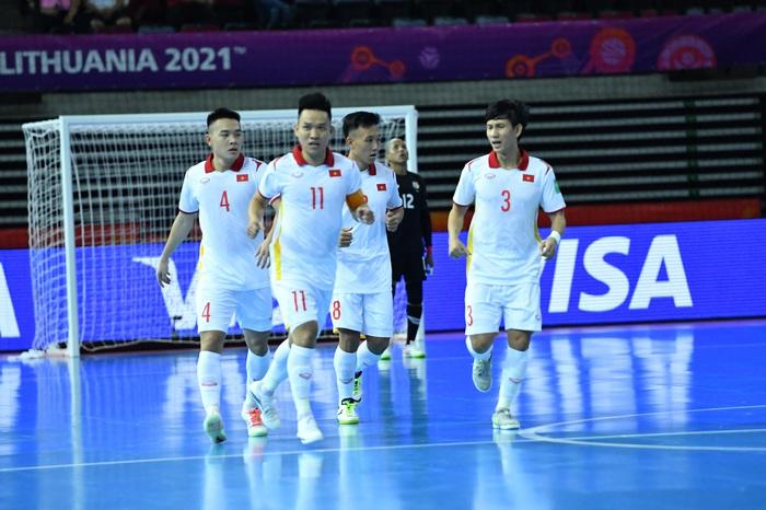 Tuyển futsal Việt Nam hạ gục Panama bằng màn trình diễn quả cảm, mở ra cơ hội vào vòng knock-out World Cup. - Ảnh 5.