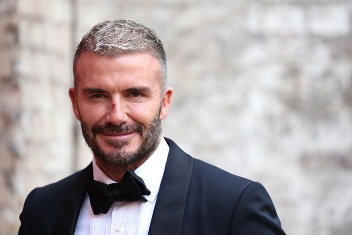 David Beckham đẹp xuất thần khi cùng mẹ đến dự lễ trao giải, nhưng điều gây chú ý nhất lại là dấu vết bí ẩn trên sống mũi - Ảnh 3.
