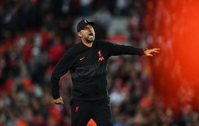 Salah đá hỏng phạt đền và 3 phút vô cùng điên rồ khiến Liverpool suýt mất điểm trước Milan - Ảnh 11.