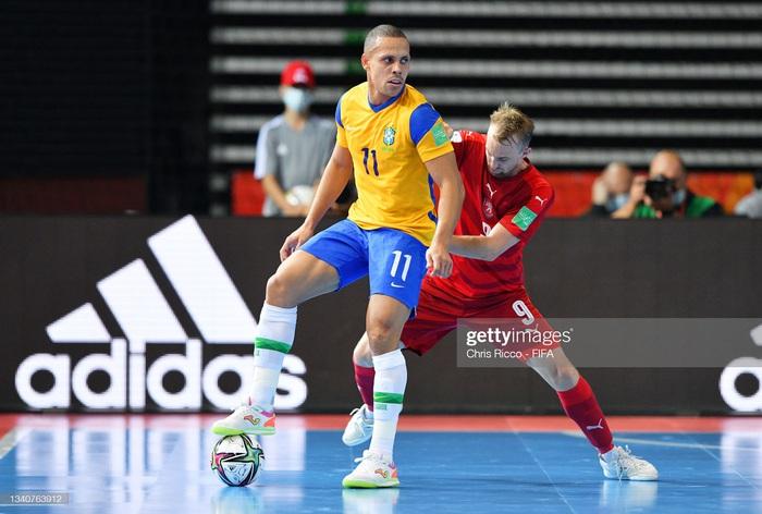 CH Czech thất bại trước Brazil, futsal Việt Nam rộng cửa đi tiếp - Ảnh 1.
