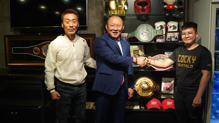 Park Hang-seo của làng boxing tiết lộ về trận tranh đai lịch sử của Nguyễn Thị Thu Nhi - Ảnh 2.