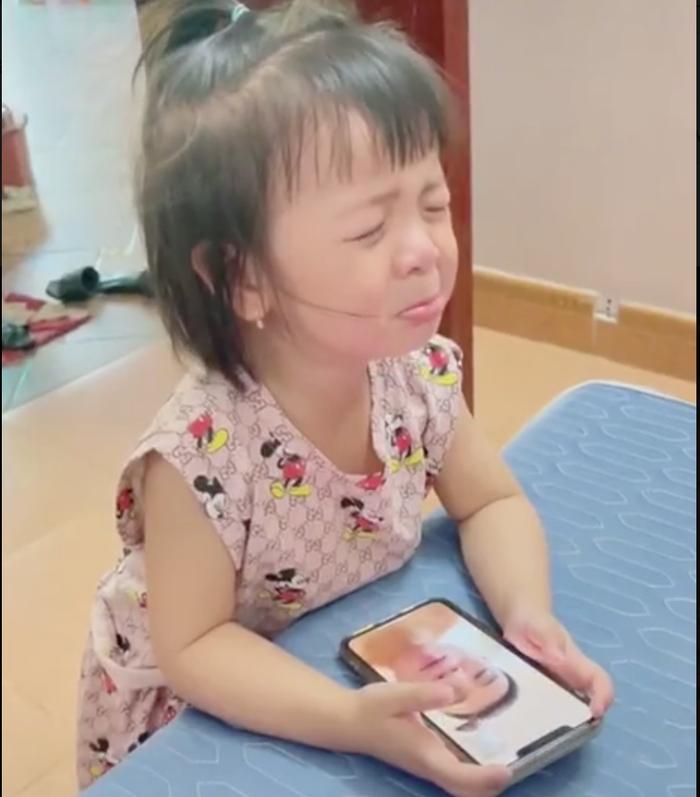 Sáng sớm con gái gọi điện rồi khóc lớn vì nhớ Bùi Tiến Dũng - Ảnh 2.
