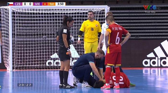 Trực tiếp VCK futsal World Cup, Việt Nam 0-0 CH Czech: Đức Tùng chấn thương rời sân, hiệp 1 kết thúc - Ảnh 5.