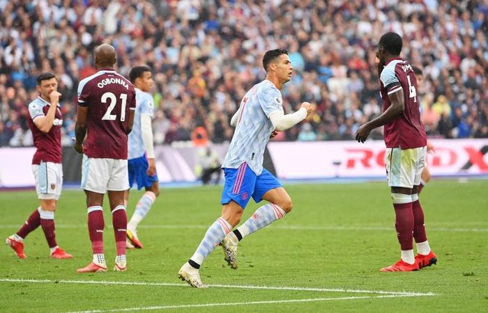 Ảnh cận cảnh: Ronaldo ghi bàn thứ 4 trong 3 trận liên tiếp cho MU - Ảnh 3.