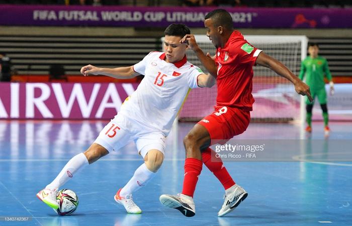 Vào đến vòng 16 đội World Cup 2021, các tuyển thủ futsal Việt Nam vẫn chỉ có lượt theo dõi khiêm tốn trên mạng xã hội - Ảnh 16.