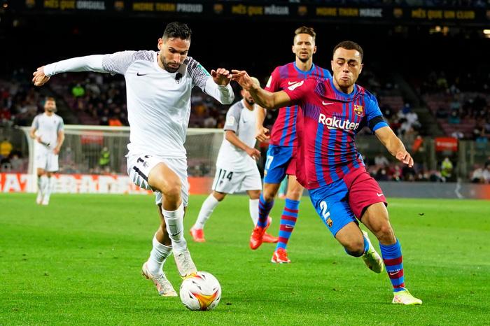 Bầu trời đen kịt bủa vây Camp Nou, Barcelona lại gây thất vọng tràn trề - Ảnh 5.