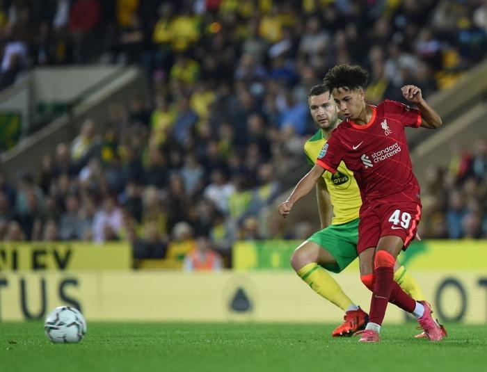 Hàng thủ tuyển Việt Nam chú ý, sát thủ Nhật Bản vừa toả sáng giúp Liverpool thắng đậm - Ảnh 8.