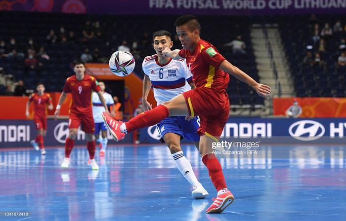 Xé lưới tuyển Nga, cầu thủ Việt Nam đi vào lịch sử Futsal World Cup - Ảnh 7.