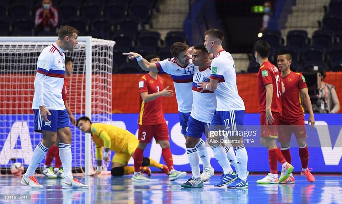 Xé lưới tuyển Nga, cầu thủ Việt Nam đi vào lịch sử Futsal World Cup - Ảnh 8.