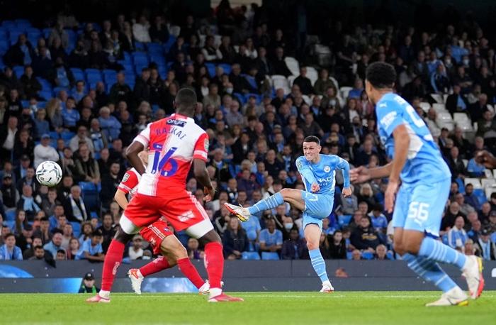 Hàng thủ tuyển Việt Nam chú ý, sát thủ Nhật Bản vừa toả sáng giúp Liverpool thắng đậm - Ảnh 12.