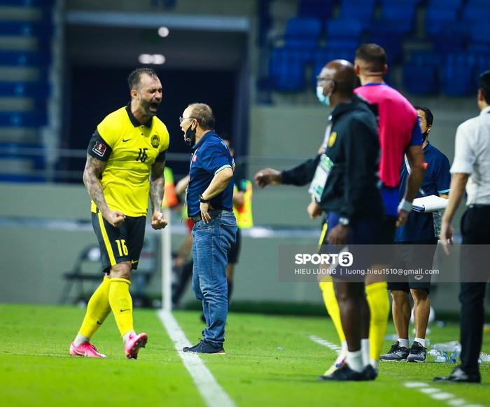 Khó gọi sao thi đấu tại châu Âu về, tuyển Malaysia tạo điều kiện cho cầu thủ trẻ - Ảnh 3.
