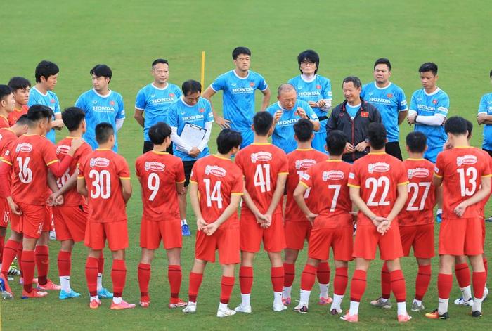 Tuấn Anh và đồng đội hào hứng khi trở thành thủ môn bất đắc dĩ cho tuyển Việt Nam - ảnh 1