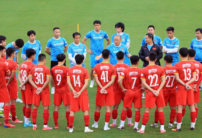 Thủ môn Văn Hoàng giữ kín thông tin mật của ĐT Việt Nam trước trận gặp ĐT Trung Quốc - Ảnh 3.