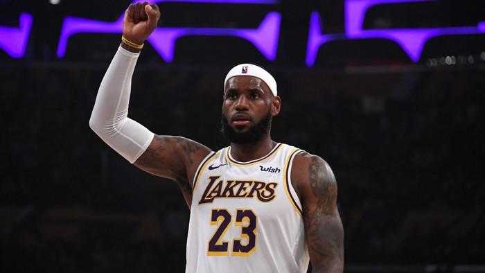 """LeBron James nhận """"cú đâm"""" từ đồng đội cũ tại Los Angeles Lakers - Ảnh 3."""