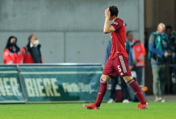Bayern Munich độc chiếm ngôi đầu Bundesliga dù chơi thiếu người - Ảnh 6.
