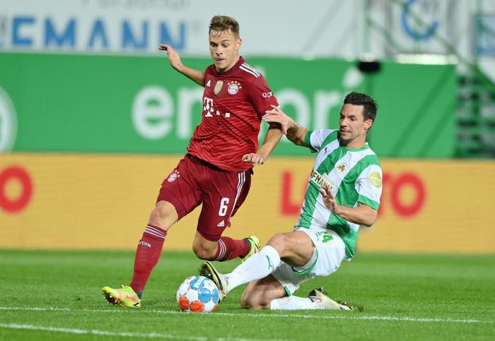 Bayern Munich độc chiếm ngôi đầu Bundesliga dù chơi thiếu người - Ảnh 5.
