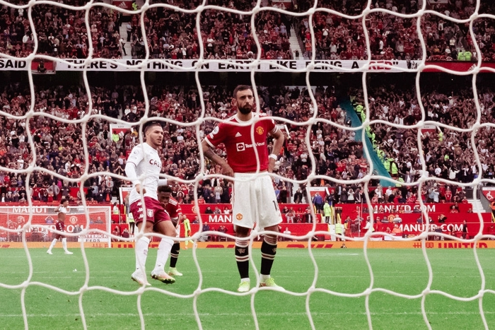 Bruno Fernandes sút hỏng penalty khiến Man United thất bại