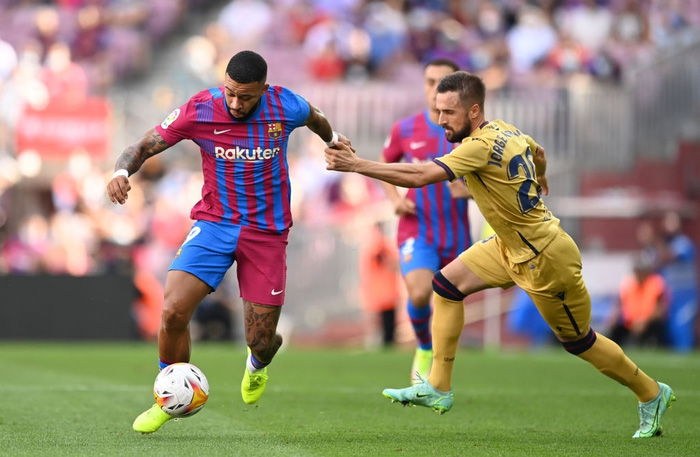 Truyền nhân của Messi trở lại và ghi bàn, Barcelona thắng tưng bừng sau chuỗi ngày u ám - Ảnh 2.