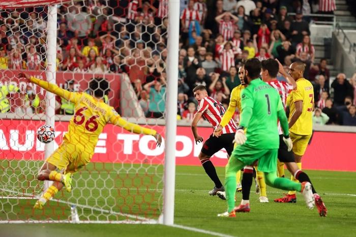 Lượt trận kỳ lạ: Nối gót MU và Chelsea, Liverpool cũng chơi trò sẩy chân khi đối đầu tân binh - ảnh 12