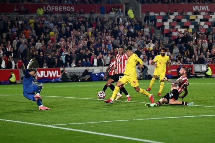 Lượt trận kỳ lạ: Nối gót MU và Chelsea, Liverpool cũng chơi trò sẩy chân khi đối đầu tân binh - ảnh 18