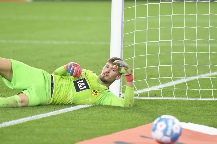 Vắng Haaland, Dortmund thua bạc nhược tại Bundesliga - Ảnh 9.