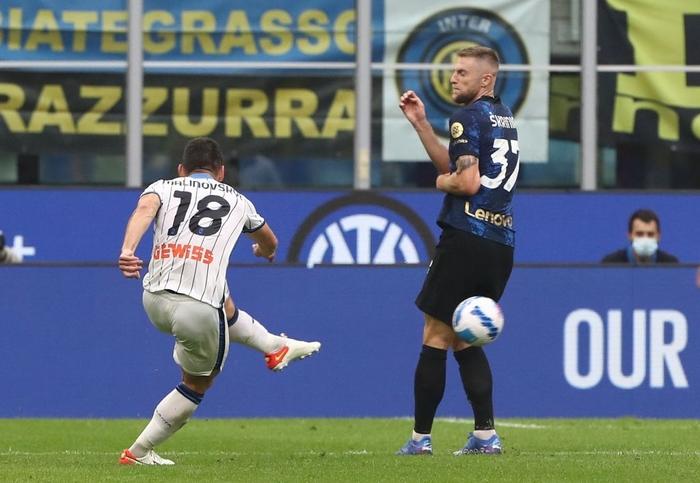 Đá hỏng 11m, Inter Milan đánh rơi chiến thắng ngay trên sân nhà - Ảnh 9.