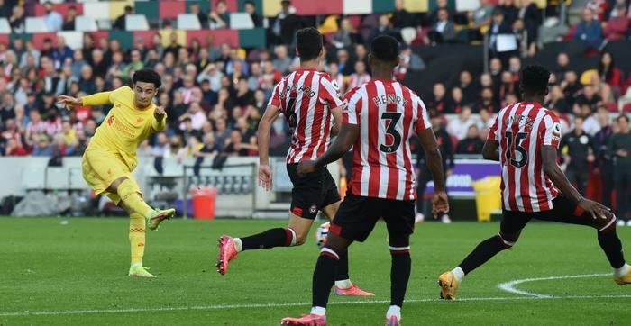 Lượt trận kỳ lạ: Nối gót MU và Chelsea, Liverpool cũng chơi trò sẩy chân khi đối đầu tân binh - ảnh 9
