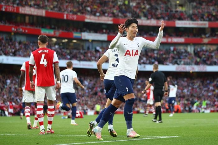 Arsenal 3-1 Tottenham: Smith-Rowe rực cháy giúp Pháo Thủ thắng lớn trận derby London - Ảnh 11.