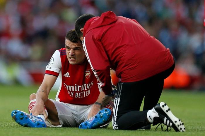 Arsenal 3-1 Tottenham: Smith-Rowe rực cháy giúp Pháo Thủ thắng lớn trận derby London - Ảnh 12.