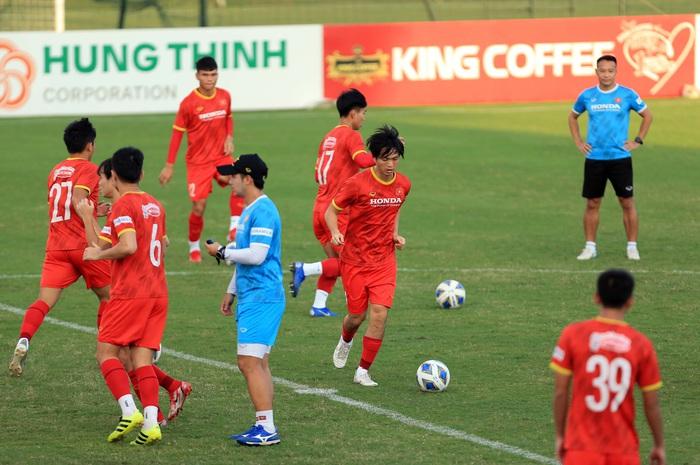 Đình Trọng trở lại, tuyển Việt Nam đón tin vui trước trận gặp Trung Quốc - Ảnh 3.