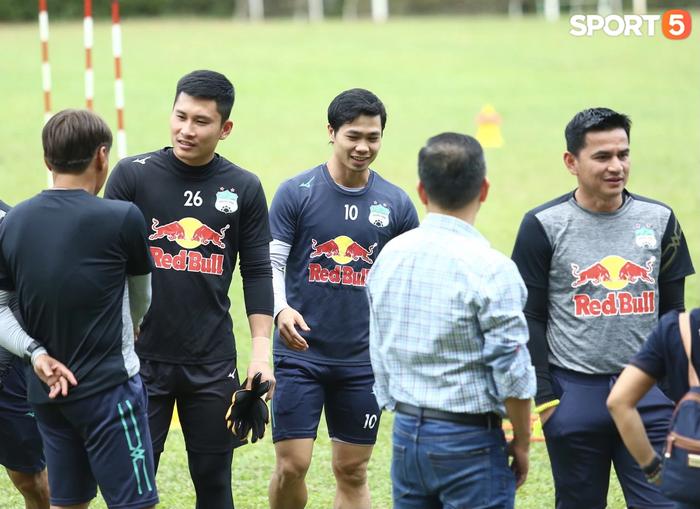 HAGL củng cố nội binh, gia hạn 3 năm với thủ môn Huỳnh Tuấn Linh - Ảnh 2.
