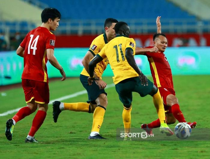Dù thua, đội tuyển Việt Nam vẫn khiến truyền thông Trung Quốc phải ngả mũ: Họ dồn ép cả nhà vô địch châu Á - Ảnh 2.