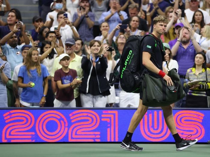 """Giải mã """"hiện tượng"""" nước chủ nhà, Djokovic vào tứ kết US Open - Ảnh 7."""