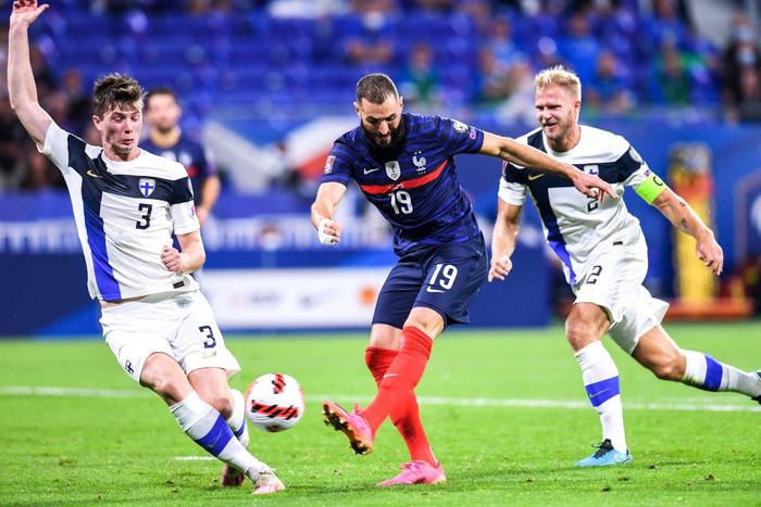 Antoine Griezmann lập cú đúp, Pháp thắng dễ Phần Lan 2-0 trên sân nhà - Ảnh 2.