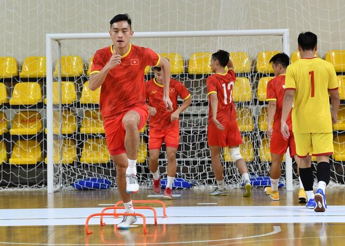 Bốc profile 16 cầu thủ futsal Việt Nam được đăng ký tại World Cup - Ảnh 7.