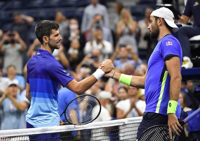 Liên tiếp bị la ó và gây nhiễu từ khán đài, Djokovic vẫn bản lĩnh ngược dòng vào bán kết US Open - Ảnh 9.