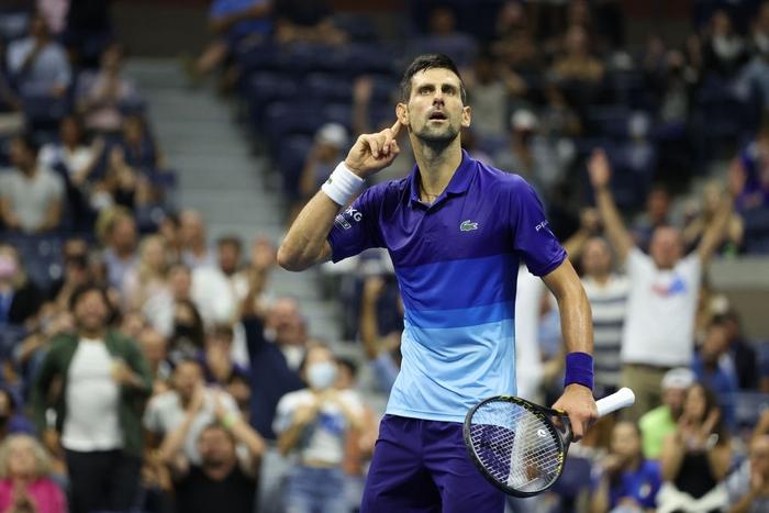 Liên tiếp bị la ó và gây nhiễu từ khán đài, Djokovic vẫn bản lĩnh ngược dòng vào bán kết US Open - Ảnh 4.