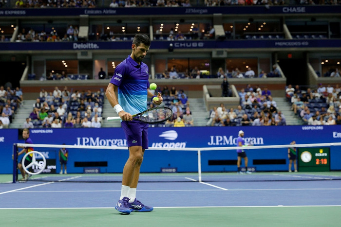 Liên tiếp bị la ó và gây nhiễu từ khán đài, Djokovic vẫn bản lĩnh ngược dòng vào bán kết US Open - Ảnh 3.