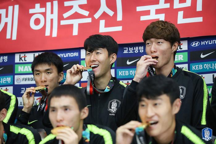 Bóng đá, bóng chày và câu chuyện về việc miễn nghĩa vụ quân sự tại Hàn Quốc - Ảnh 3.