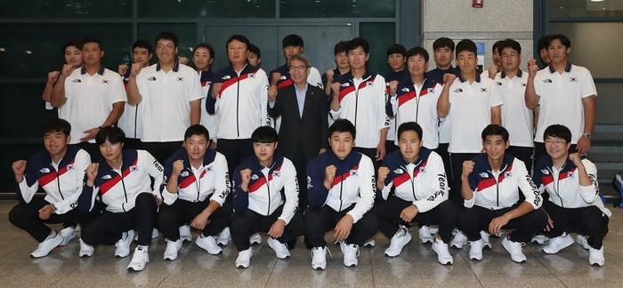 Bóng đá, bóng chày và câu chuyện về việc miễn nghĩa vụ quân sự tại Hàn Quốc - Ảnh 1.