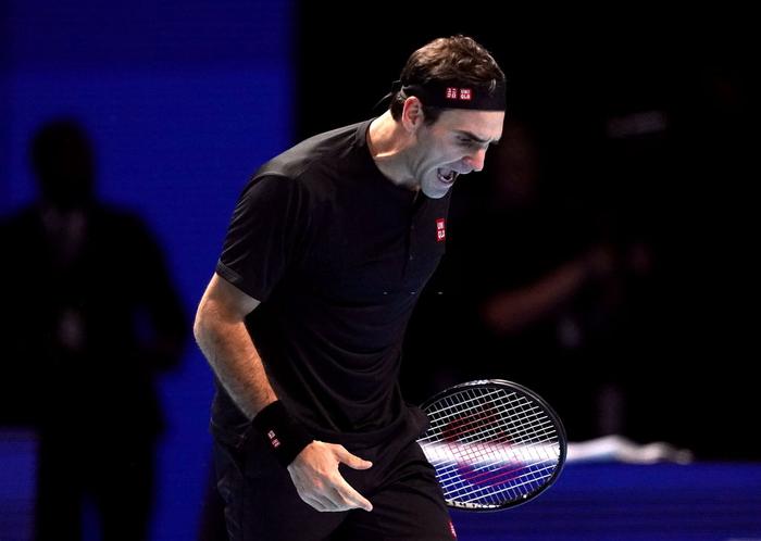 """Federer thua """"không thể bào chữa"""" trước hot boy Tsitsipas ở bán kết ATP Finals nhưng vẫn mát lòng mát dạ bởi phát biểu này của đàn em - Ảnh 6."""