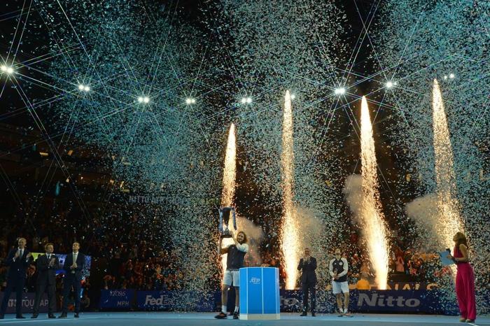 Ngược dòng thắng kịch tính, hot boy quần vợt đăng quang ATP Finals 2019 - Ảnh 8.