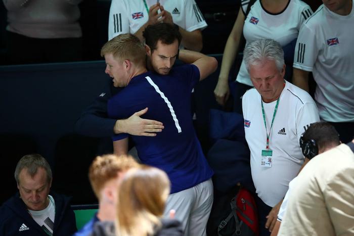 Tứ kết cúp đồng đội danh giá nhất thế giới: Nadal phấn khích ôm chầm bạn đánh cặp, Djokovic đau đớn dừng bước - Ảnh 7.