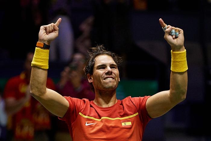 Nadal sắm vai người hùng, giúp Tây Ban Nha ngược dòng hạ gục Vương Quốc Anh để giành vé vào chung kết cúp đồng đội danh giá nhất thế giới - Ảnh 1.