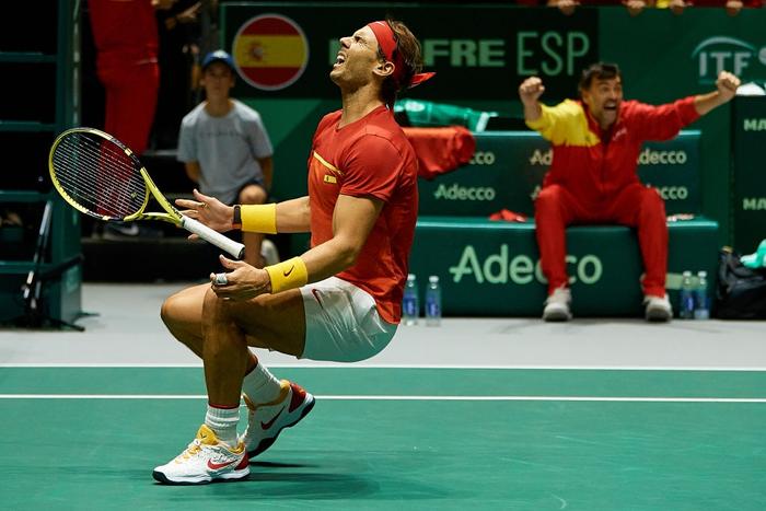 Nadal sắm vai người hùng, giúp Tây Ban Nha ngược dòng hạ gục Vương Quốc Anh để giành vé vào chung kết cúp đồng đội danh giá nhất thế giới - Ảnh 5.