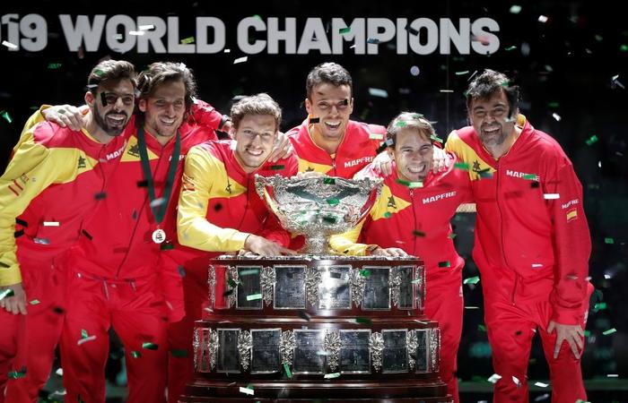 Nadal vỡ òa hạnh phúc khi nối dài mạch toàn thắng giúp tuyển Tây Ban Nha vô địch cúp đồng đội danh giá nhất thế giới - Ảnh 7.