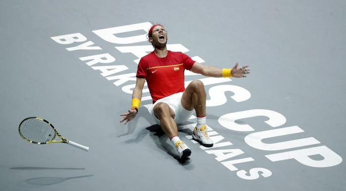 Nadal vỡ òa hạnh phúc khi nối dài mạch toàn thắng giúp tuyển Tây Ban Nha vô địch cúp đồng đội danh giá nhất thế giới - Ảnh 5.
