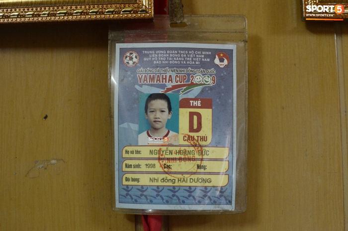 """Về thăm nhà """"người hùng"""" U22 Việt Nam, Nguyễn Hoàng Đức: Tràn ngập kỷ vật World Cup và những bức ảnh thời """"trẻ trâu"""" hết sức dễ thương - Ảnh 11."""