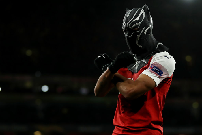Lý do gì khiến Black Panther nhận thẻ vàng sau khi ghi bàn cho Arsenal? - Ảnh 1.